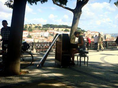 A European Tour on a Piano-Bike (Lisboa)