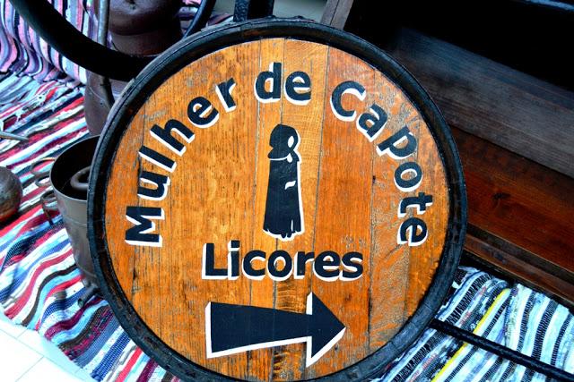 Licores Mulher de Capote (Ribeira Grande, São Miguel, Açores)